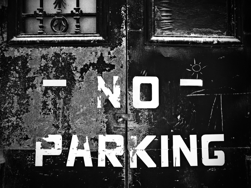 no parking copy BW